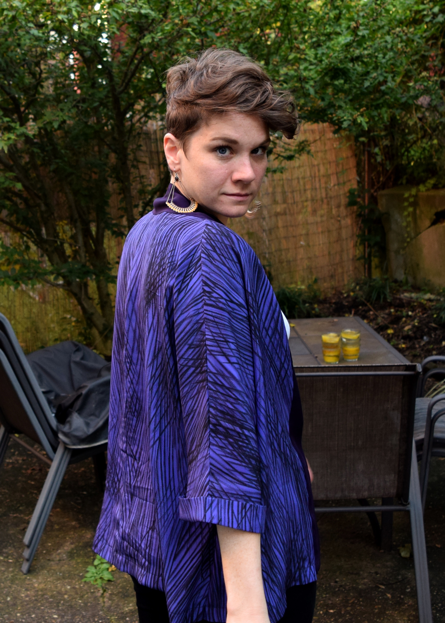 sassy view of the Tokyo Jacket by Tessuti Patterns