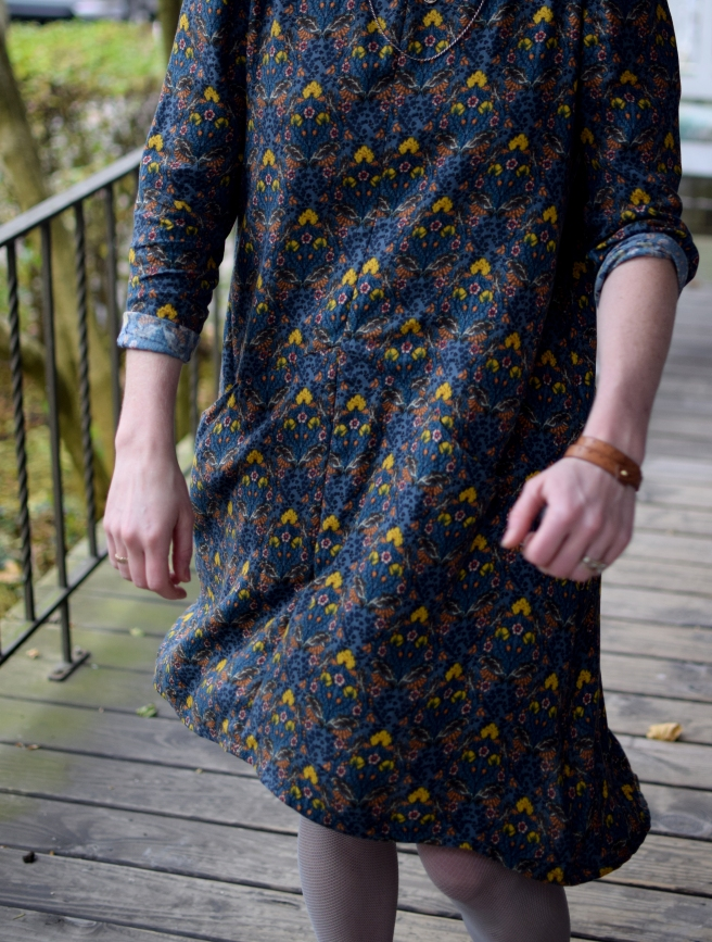 front of farrow dress by grainline studio